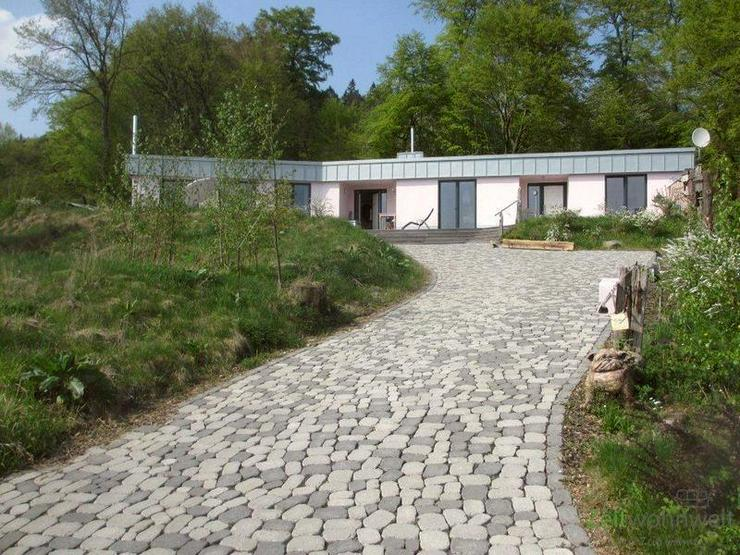 (EF0388_M) Kassel-Landkreis: Schauenburg, massiver, möblierter Bungalow mit Terrasse im O...