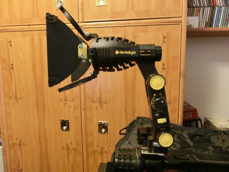Bild 2: Kamera-Kopflicht Dedolight Ledzilla