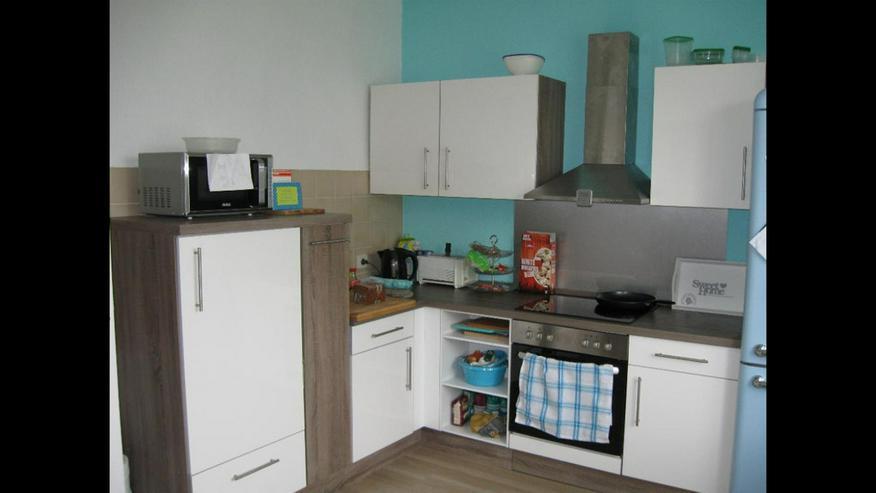 Schöne Küche inkl. Spülmaschine und Kühlschrank
