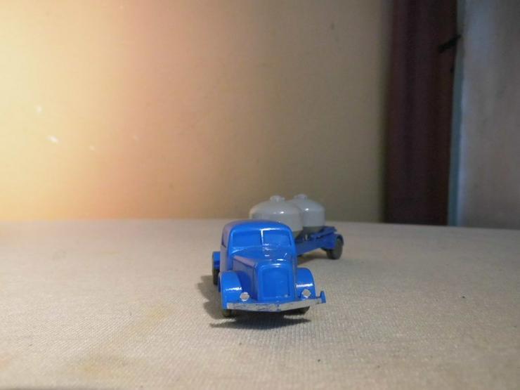 Bild 2: LKW mit Zementsilohänger für Modellbahn H0 um