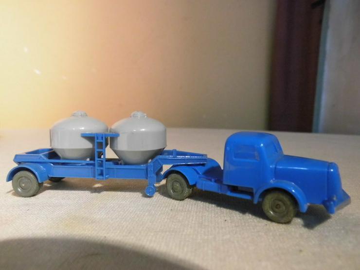 Bild 3: LKW mit Zementsilohänger für Modellbahn H0 um