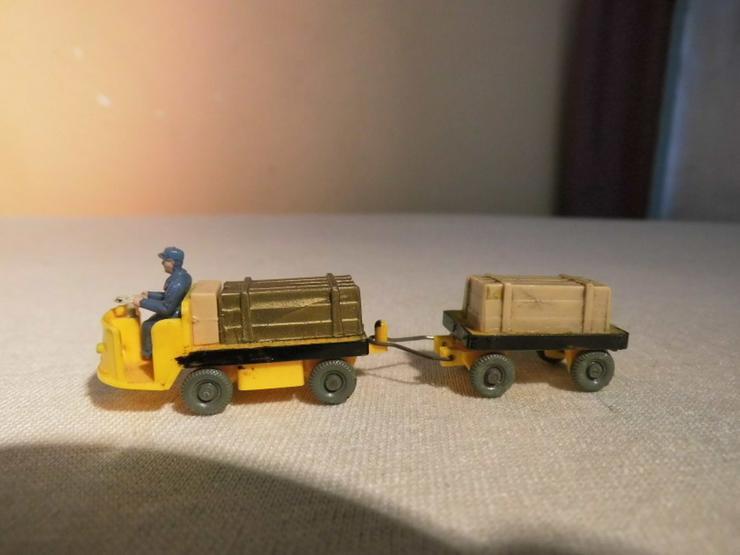 Dieselameise mit Hänger für Modellbahn H0 um 1 - Spur H0 - Bild 1