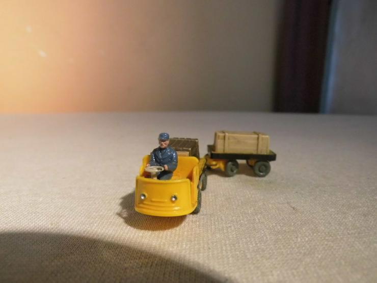 Bild 2: Dieselameise mit Hänger für Modellbahn H0 um 1
