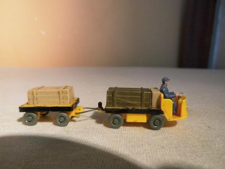 Bild 3: Dieselameise mit Hänger für Modellbahn H0 um 1