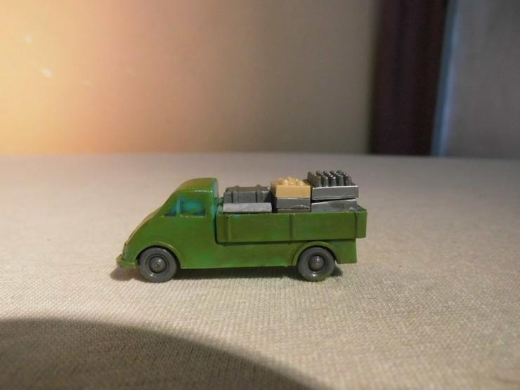 Bild 2: Deutz Pritschentransporter für Modellbahn H0 u