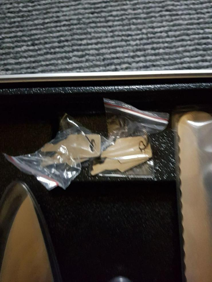 Bild 5: Messer Koffer