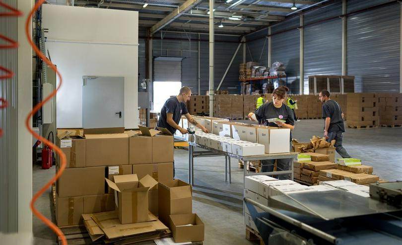 Bild 4: Umpacken Qualität gute Preise Lage bei Warschau