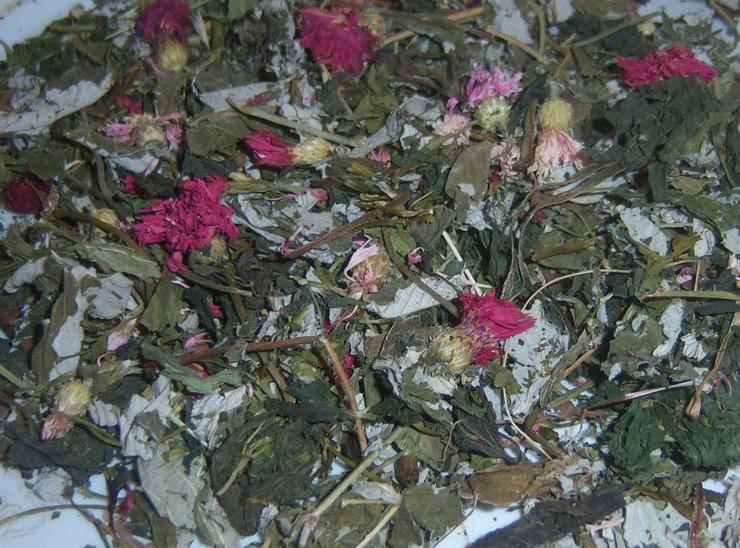 Bild 4: Blüten- Blätter- Kräutermischungen und mehr