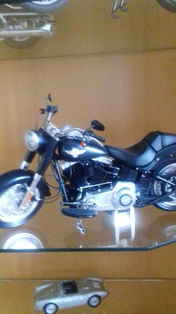 Bild 3: Modelmotorräder  zusammengebaut