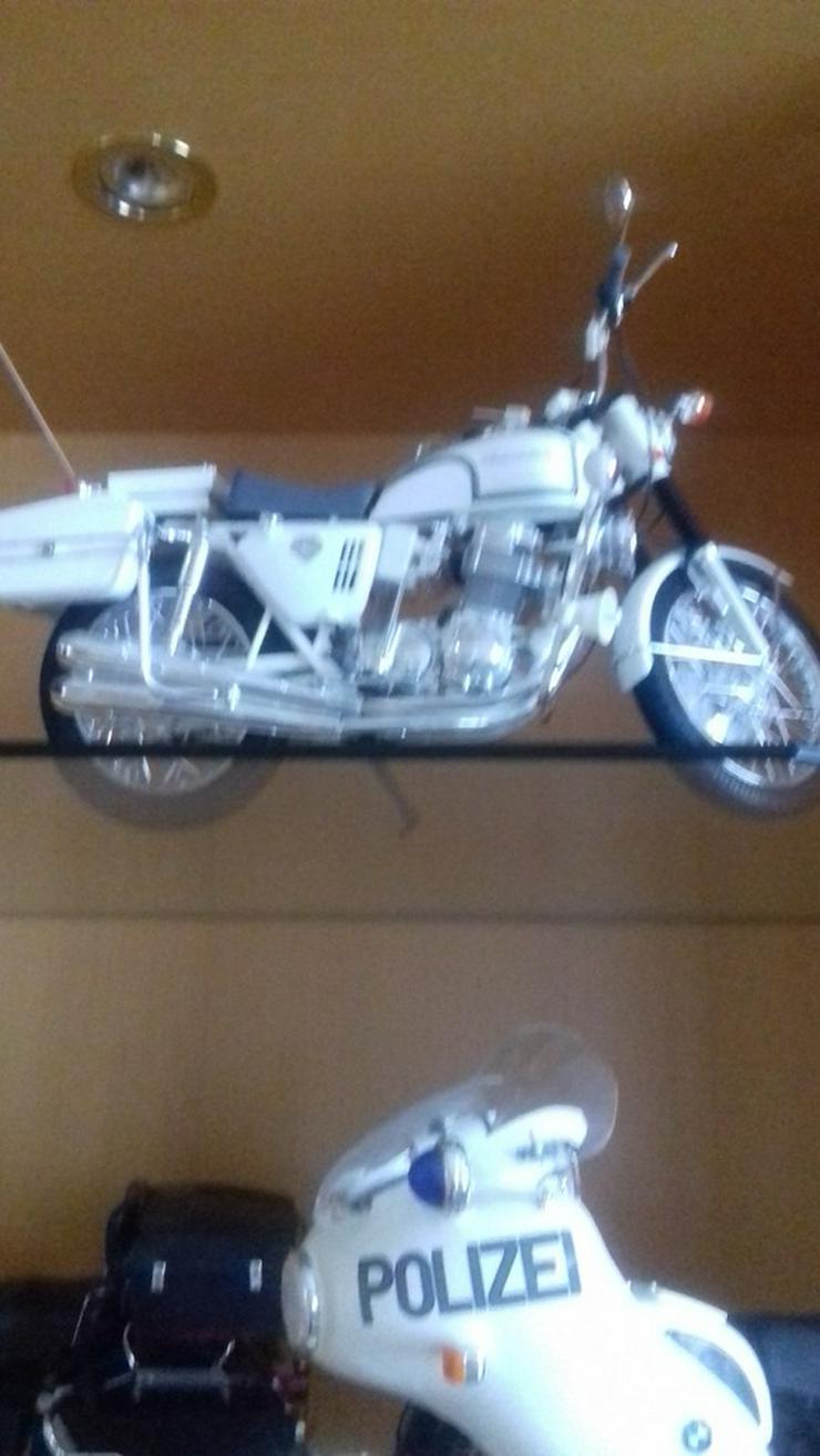 Bild 6: Modelmotorräder  zusammengebaut