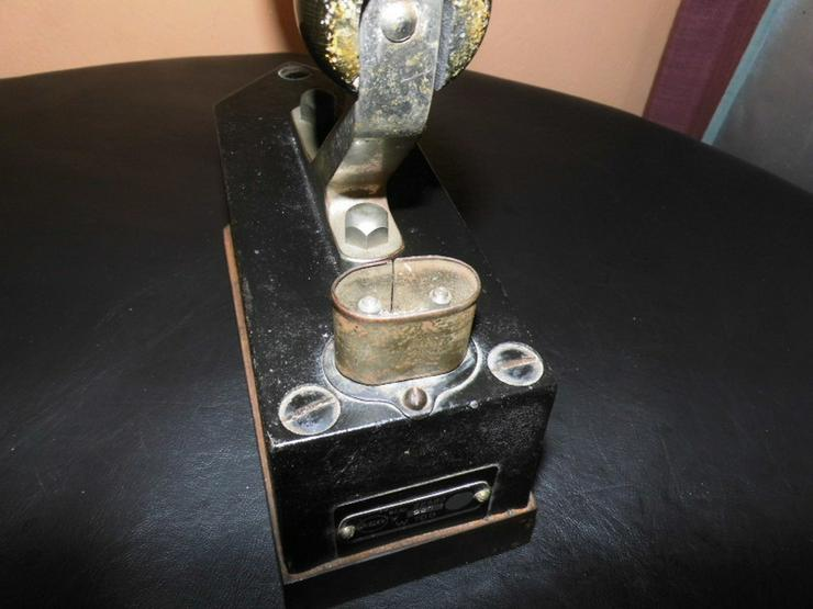 Bild 5: Antikes AEG Bügeleisen Pl. Nr. 22680 / Gusseis