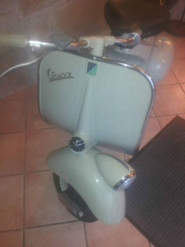 PIAGGIO VESPA 125 faro basso - Moped & Motorroller - Bild 1