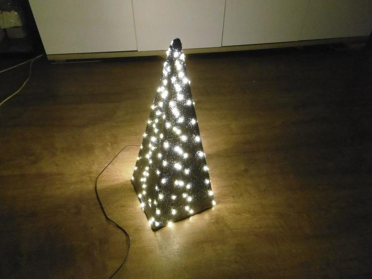 Pyramide,LED beleuchtet - Figuren & Objekte - Bild 1