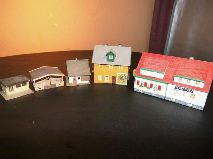 5teiliges Konvolut Häuser für Modelleisenbahn