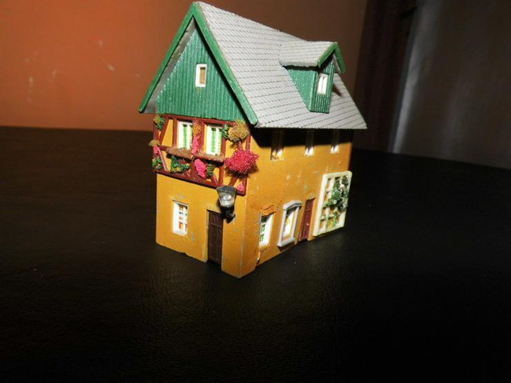 Bild 5: 5teiliges Konvolut Häuser für Modelleisenbahn