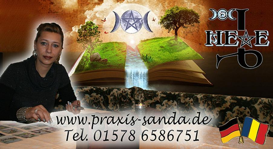 Bild 2: Kartenlegerin Sanda
