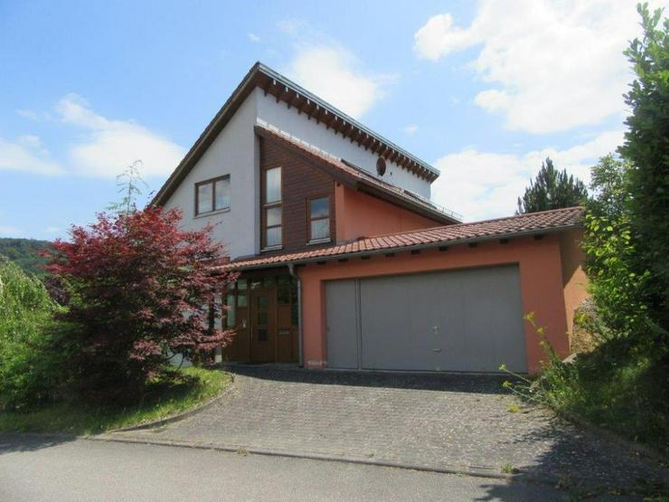 Bild 3: Außergewöhnlich gestaltetes Architekten-Einfamilienhaus mit Einliegerwohnung in Neckarge...