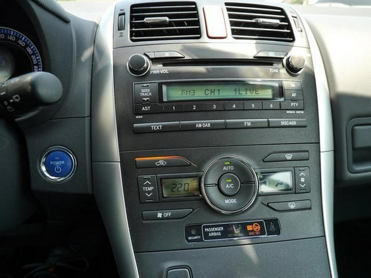Bild 5: TOYOTA Auris 1,8 Hybrid Executive + PDC