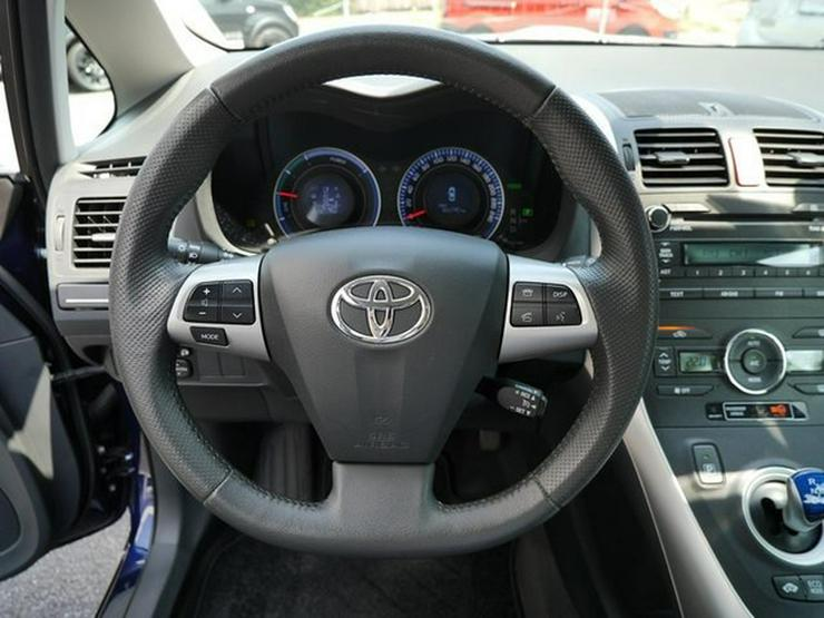 Bild 3: TOYOTA Auris 1,8 Hybrid Executive + PDC