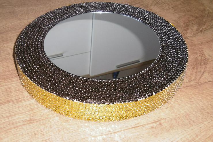 Spiegel, zweifarbig mit Pailletten besetzt