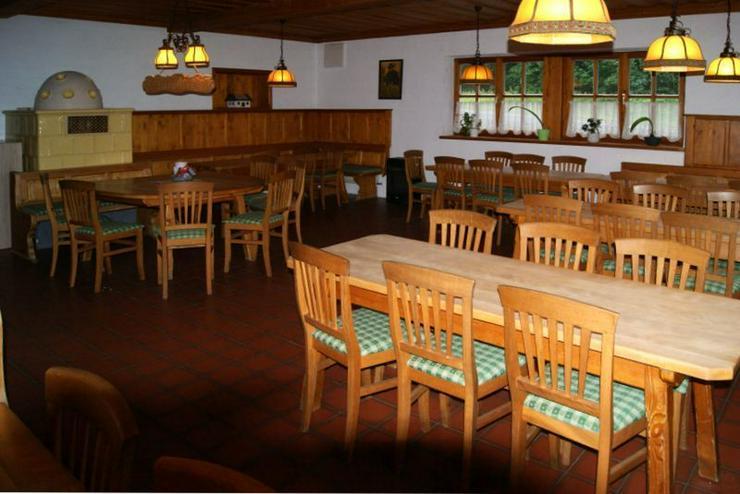 Bild 2: Schlossgaststätte - voll ausgestattet