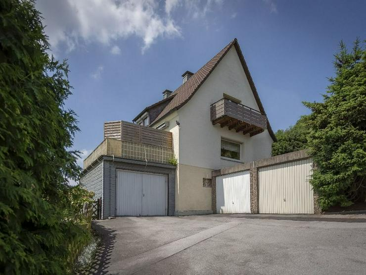 Bild 2: Familientraum mit bester Aussicht: Freistehendes Einfamilienhaus in toller Lage