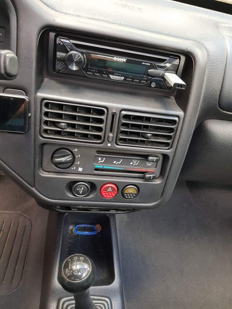 Bild 5: Peugeot 106