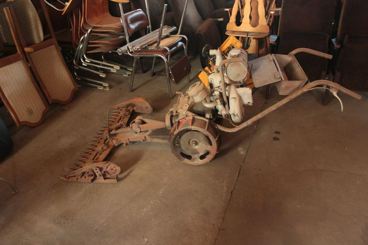 Bild 3: Motormäher - sehr alt! Antik!