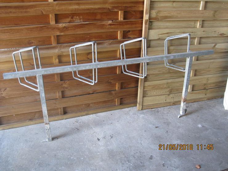 Bild 4: Fahrradständer einseitig für 4 Fahrräder