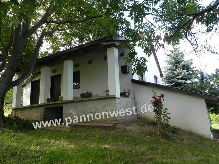 Weinberghaus mit Panoramablick in Ungarn im Ort Balatonkeresztur - Haus kaufen - Bild 1