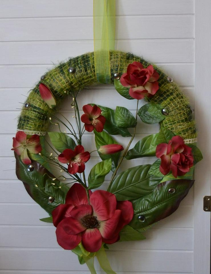 Wandkranz mit Seidenblumen (neu)