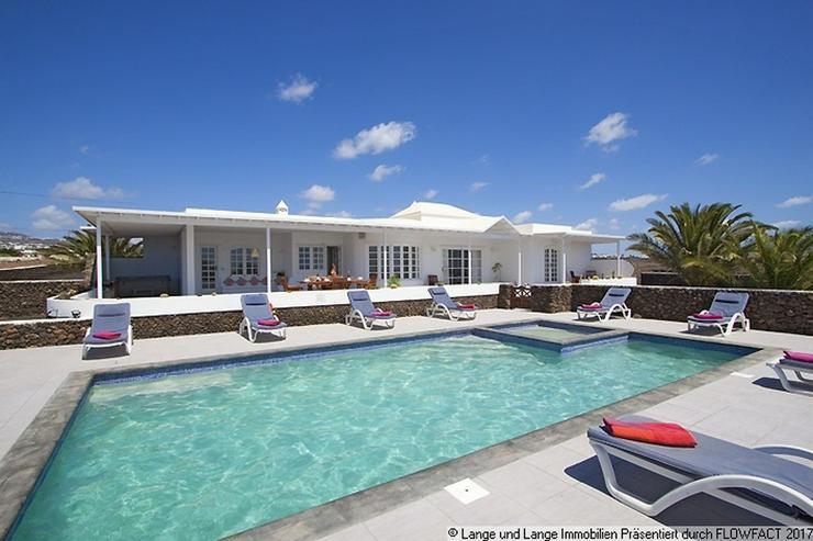Bild 2: Lanzarote - Macher - beste Lage! Villa mit Klasse Meerblick - Spanien Immobilien