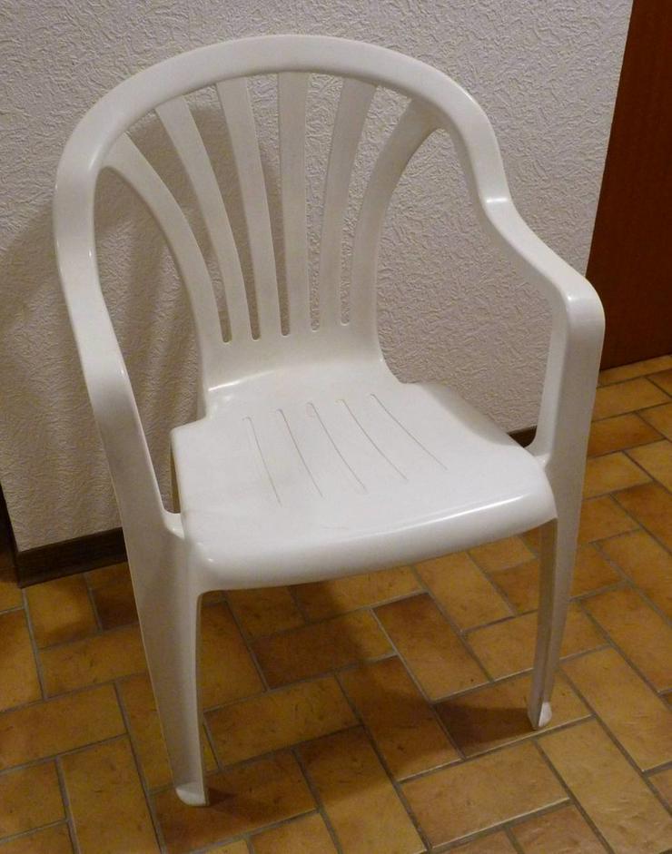 2 Gartenstühle  mit Armlehnen, Vollkunststoff, - Stühle - Bild 1