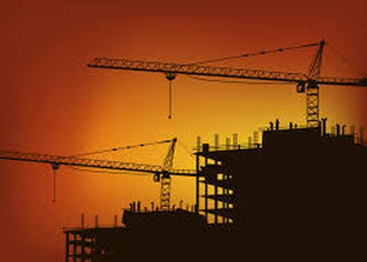 BAUGRUNDSTÜCK - Bauplan eines Hotels liegt vor