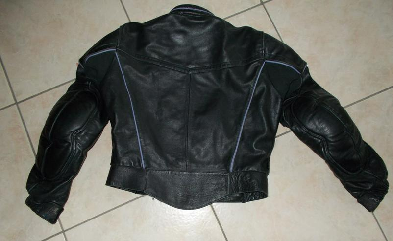 Bild 3: Schwarze Motorradlederjacke
