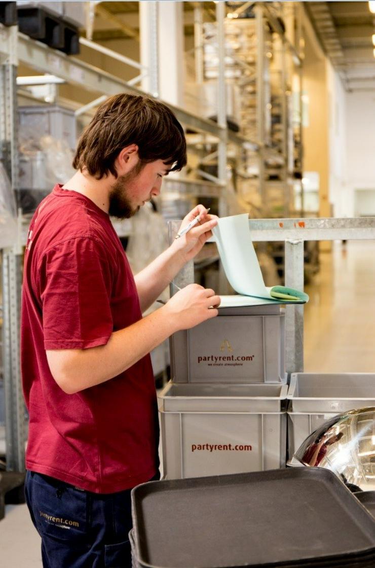 Bild 2: Spülkraft (m/w) für Küchenequipment