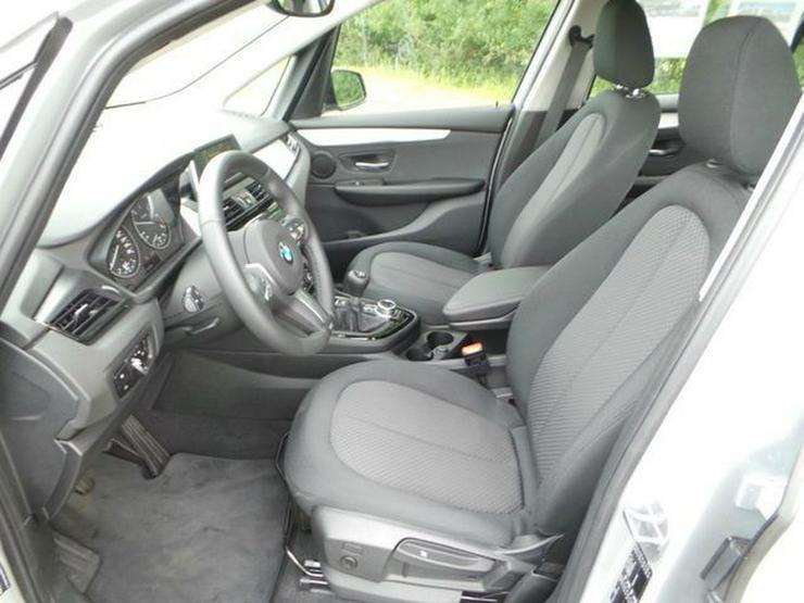 Bild 5: BMW 216 Gran Tourer Advantage Klimaaut. PDC Sitzhzg. Vorn NSW MF Lenkrad