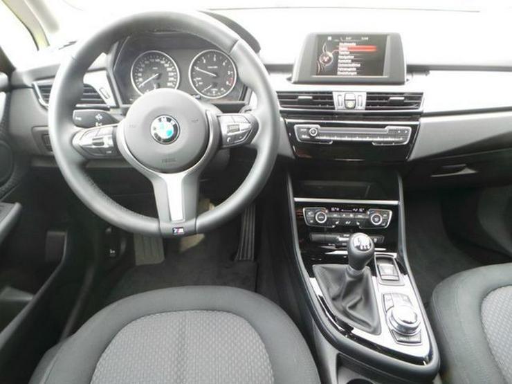 Bild 4: BMW 216 Gran Tourer Advantage Klimaaut. PDC Sitzhzg. Vorn NSW MF Lenkrad