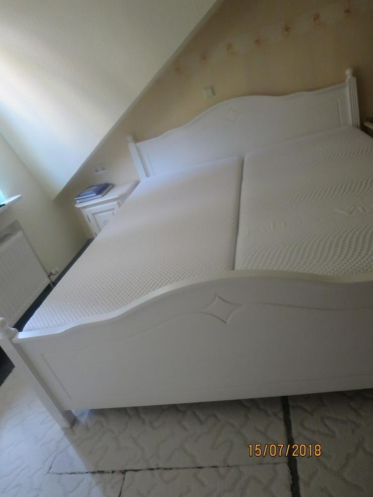 Doppelbett Echtholz mit 2 Lattenrosten - Bild 1