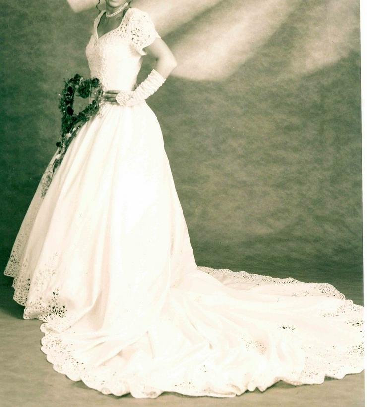 Romantisches Brautkleid, creme, Gr. 36