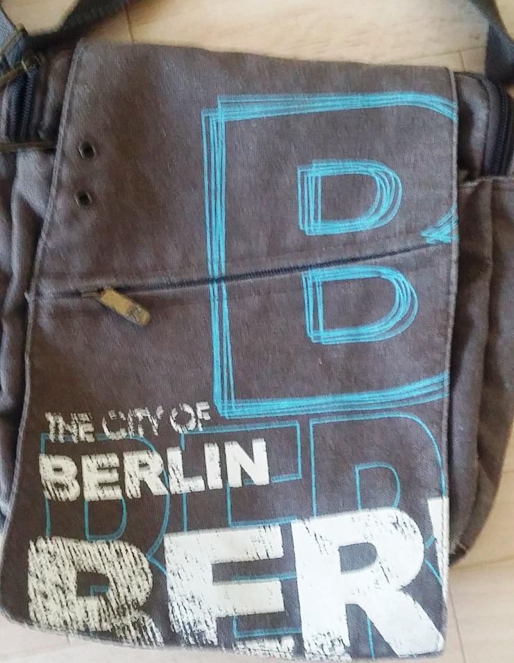 Bild 2: Umhängetasche Berlin
