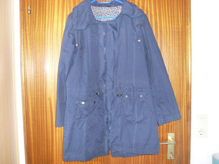 Bild 2: Damen Jacke blau m. Kapuze Gr. 42