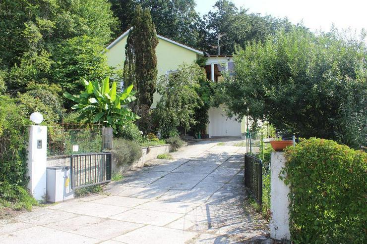 Bild 2: Großzügiges Einfamilienhaus in selten traumhafter Lage mit weiterer Bebauungsmöglichkei...