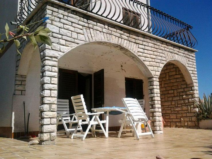 Pakostane Kroatien Ferienhouse direkt am Meer