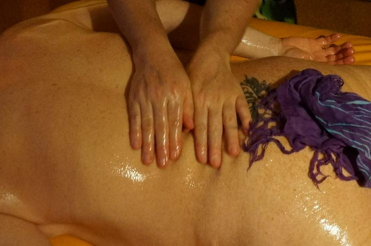 Bild 3: Lomi Lomi Massagen bei Wellness & Passion