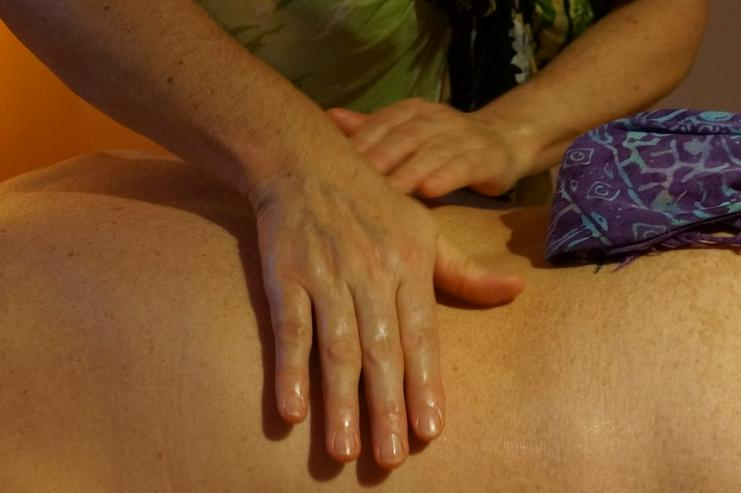 Bild 6: Lomi Lomi Massagen bei Wellness & Passion