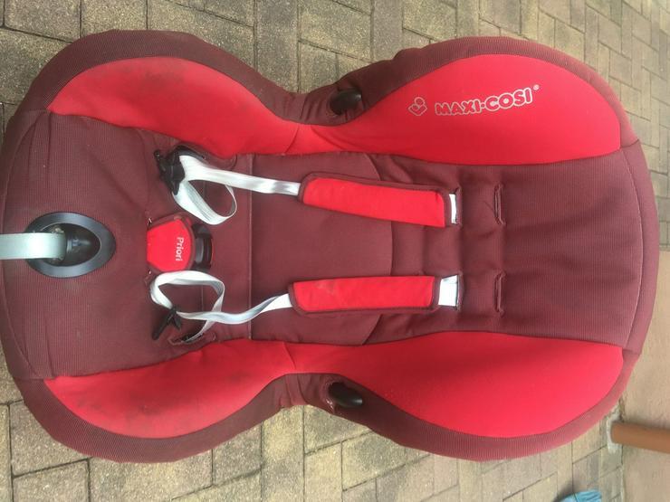 Autositz in rot gut erhalten! - Autositze & Babyschalen - Bild 1