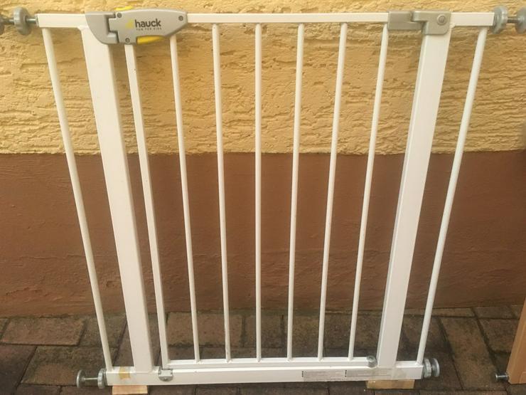 Treppengitter Metall von Hauck sowie  Holz