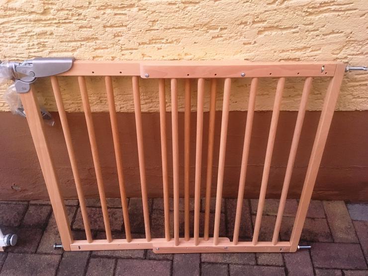 Treppengitter aus Holz verstellbar