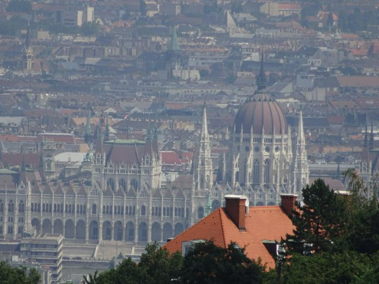 Bild 1: Ungarn/Budapest 12.Bezirk. Wohnung /Aussicht !